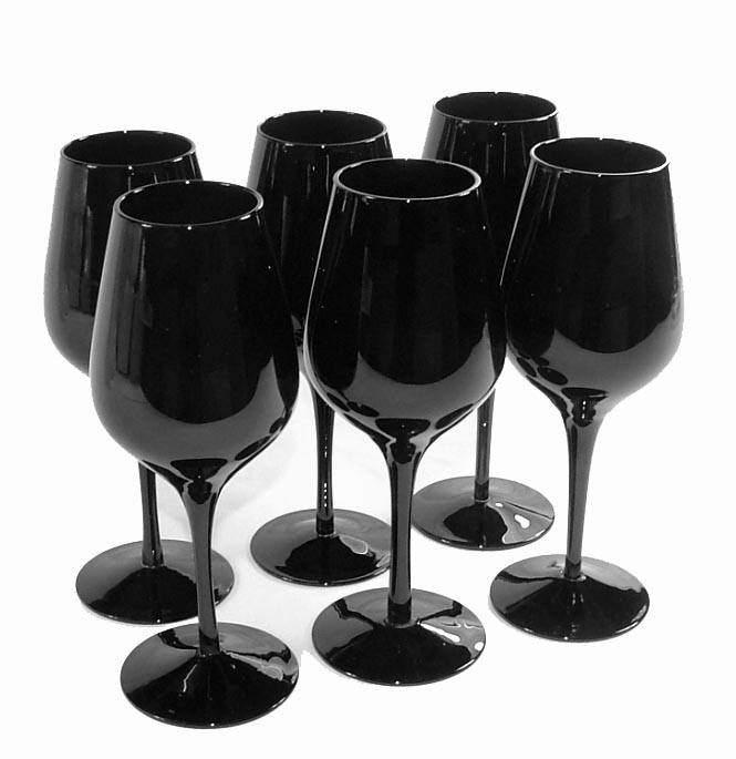 6 verres de vin noirs